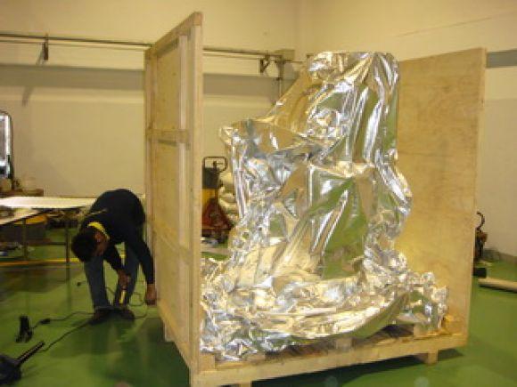 บริการแพ็คลังไม้ ลังโปร่ง (wooden crate) ลังทึบ (wooden case) แพ็คสุญญากาศ (vacuum foil) ขนย้ายเครื่