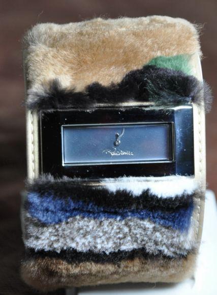 **สินค้าอยู่ไทย พร้อมส่ง** Roberto Cavalli lady fur
