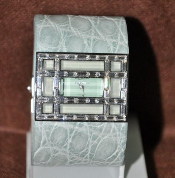 **สินค้าอยู่ไทย พร้อมส่ง** Valentino Fascia Light Green Ladie Watch