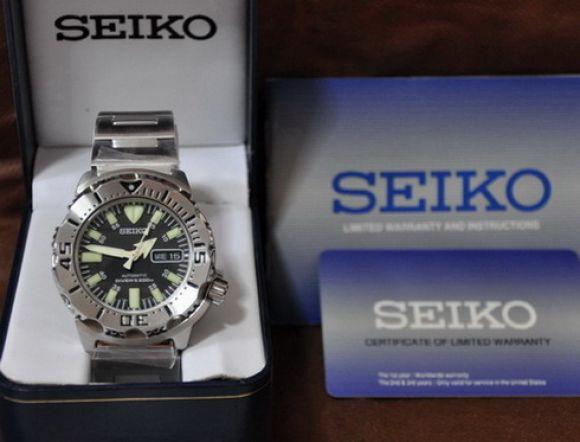 **สินค้าอยู่ไทย พร้อมส่ง** Seiko Black Monster Diver Scuba Watch
