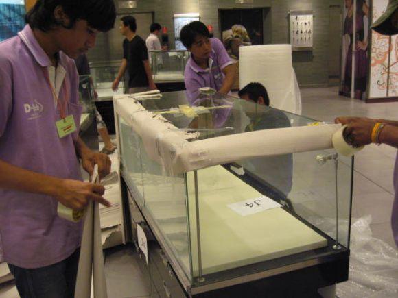 บริการขนย้ายตู้โชว์ และอุปกรณ์ที่ใช้ในงานแสดงสินค้า