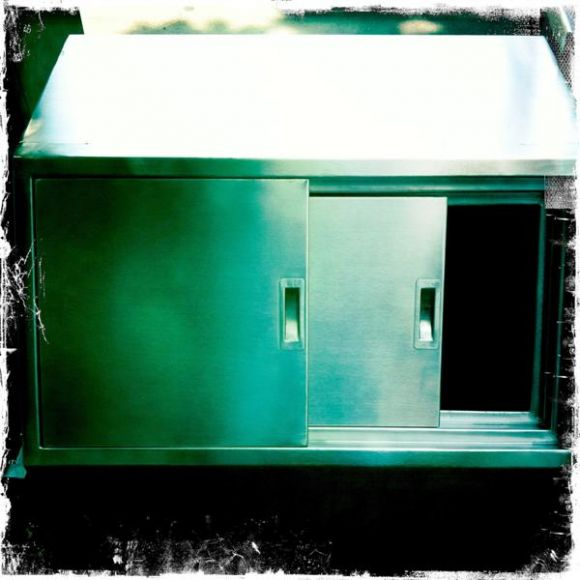 """""""มิสเตอร์ สแตนเลส"""" เครื่องครัวสแตนเลส , ถังน้ำแข็งสแตนเลส , ถังน้ำแข็งสแตนเลส ร้านกาแฟ"""