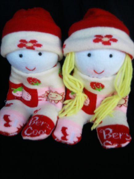 ตุ๊กตาคู่รักดอกไม้แดง