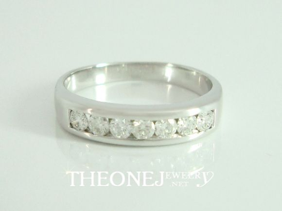 แหวนเพชรเบลเยี่ยมคัท เพชร 7 เม็ด น้ำหนักเพชรรวม 0.30 กะรัต Color 97