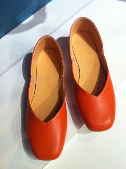 รองเท้าหนังเชียงใหม่โทร 089-632-6198