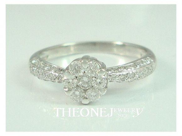 แหวนเพชรเบลเยี่ยมคัท ดีไซน์ดอกไม้ น้ำหนักเพชรรวม 0.42 กะรัต Color 97