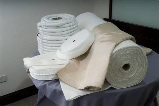 ผ้าไฟเบอร์กลาส ทนอุณหภูมิได้ 538 องศาเซลเซียส สามารถใช้ป้องกันสะเก็ดจากการเชื่อม หรือนำไปป้องกันความ