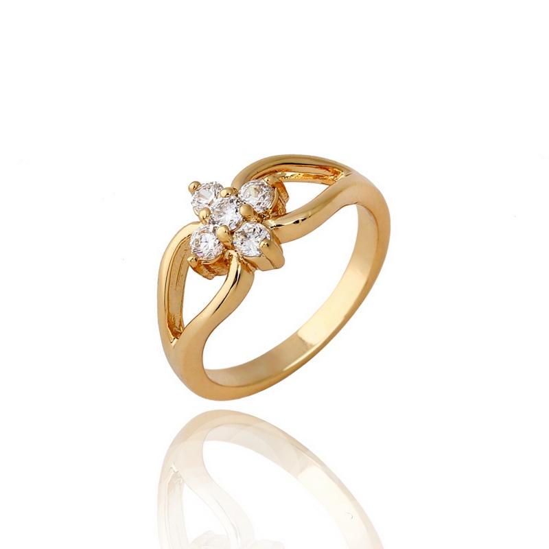 แหวนทอง 18k gold filled หัวแหวนทำจากเพชร CZ เจียระไนดีไซน์ดอกไม้แบบวินเทจ มี 3 ไซส์ให้เลือกค่ะ