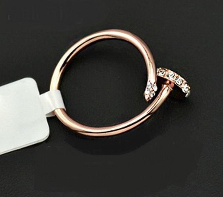 แหวนทอง 18k pink gold ดีไซน์แบรนด์สุดหรู สวยมากค่ะ