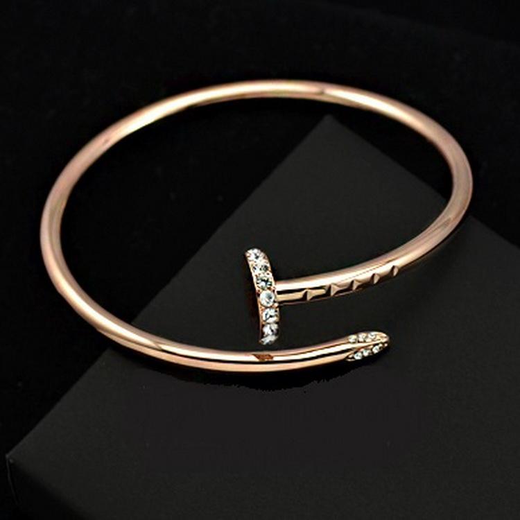 กำไลทองสีชมพู 18k pink gold ประดับเพชร CZ สุดหรู ดีไซน์แบรนด์ดัง