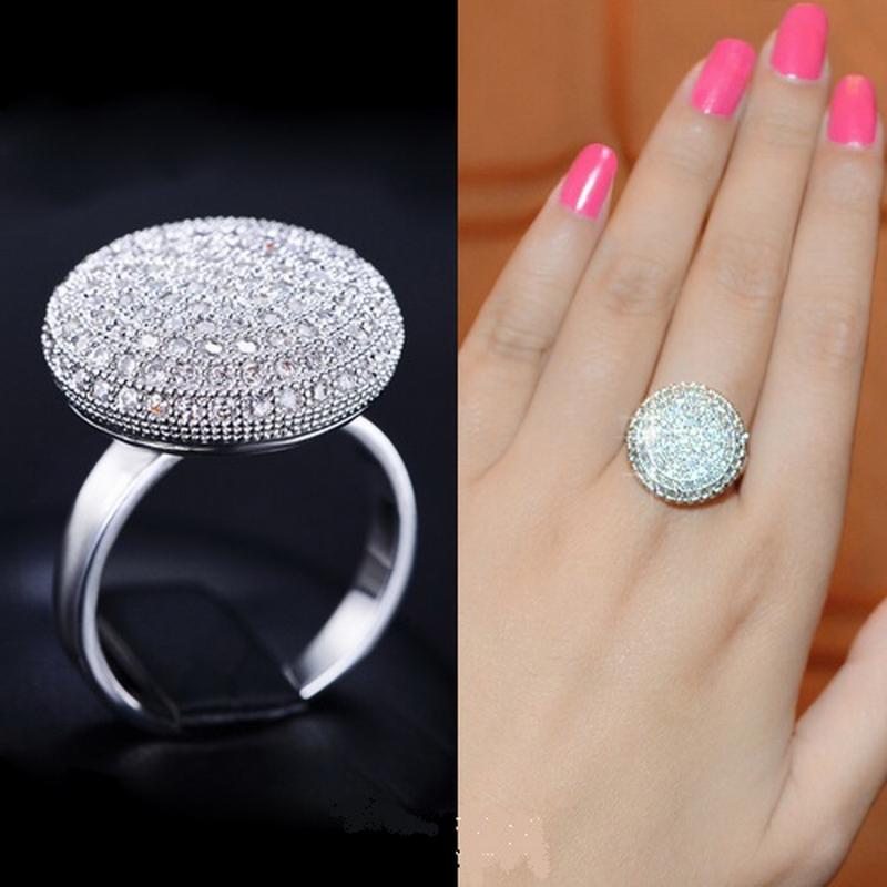 แหวนทองคำขาว 18K White Gold Plated ประดับเพชร CZ ดีไซน์เก๋ สวยมากๆ ค่ะ