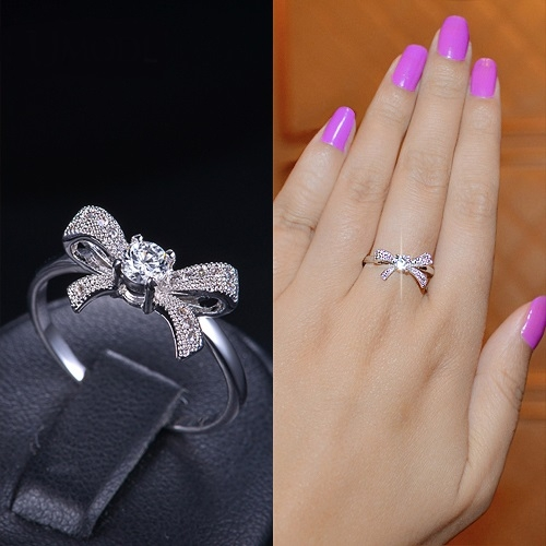 แหวนทองคำขาว 18k gold filled ดีไซน์โบว์ประดับด้วยเพชร CZ เกรดดีเยี่ยม สวยน่ารักมากค่ะ