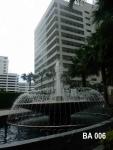 บ่อน้ำพุรูปดวงตา หน้าอาคาร Belle Avenue  อยู่ด้านหลัง เซ็นทรัลพระราม 9