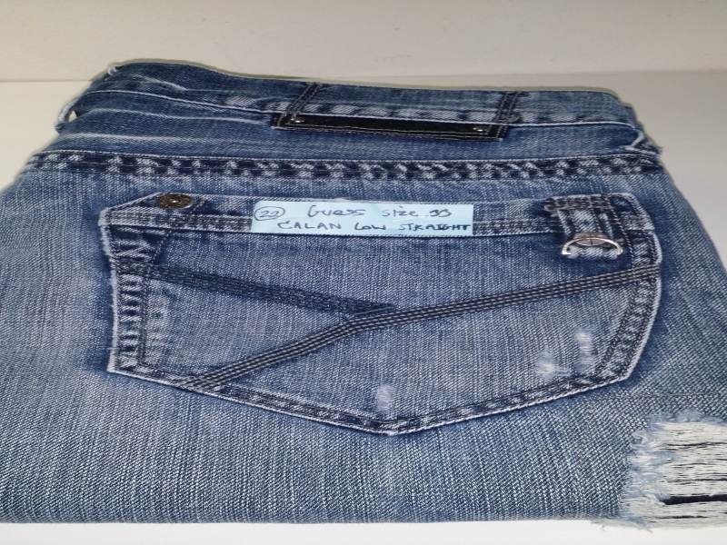 GUESS  SIZE 33