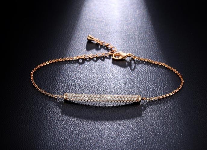 สร้อยข้อมือทองพิ้งโกล์ว 18K Pink Gold Plated ตกแต่งด้วยเพชร CZ ดีไซน์หรู เปล่งประกาย