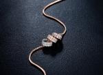 สร้อยคอทองพิ้งค์โกล์ว 18K ห้อยจี้แหวนสามกษัตริย์ประดับเพชร CZ