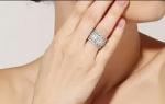 แหวนทองคำขาว 18k White Gold Plated ประดับเพชร CZ รอบชิ้น สวยหรูมากค่ะ