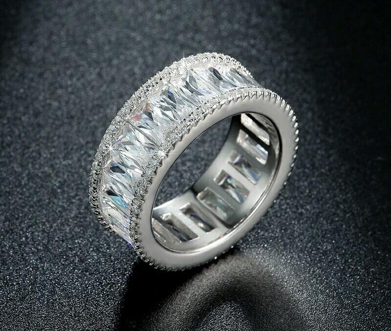 แหวนทองคำขาว 18k white gold plated ประดับเพชร CZ รอบวง