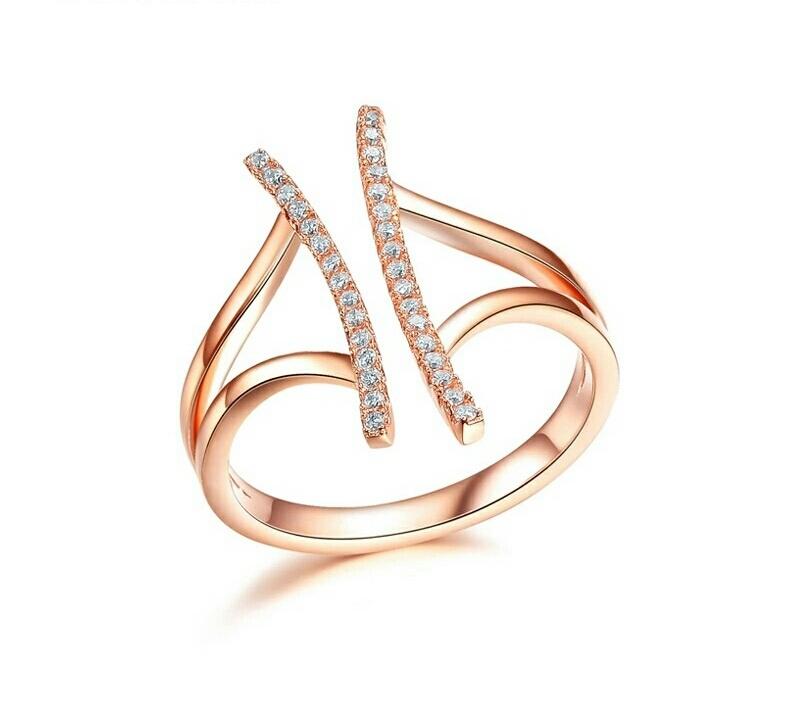 แหวนทองพิ้งค์โกล์ว 18K ดีไซน์เก๋ ทันสมัย สวยมากค่ะ