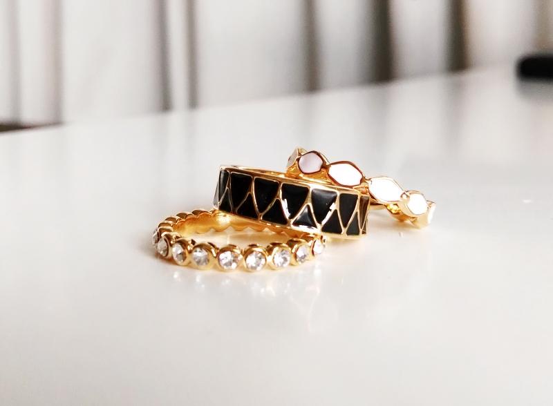 เซ็ตแหวนแฟชั่น 3 วง ประดับด้วยคริสตัลและเคลือบ enamel สวยหรู