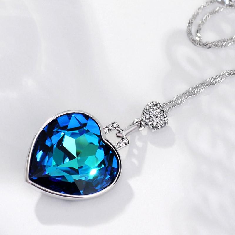 สร้อยคอ Platinum Plated พร้อมจี้ Austria Crystal แท้จาก Swarovski