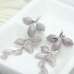 ต่างหู 18k platinum plated ประดับเพชร CZ ดีไซน์ดอกไม้ห้อยตุ้งติ้ง
