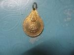 หลวงปู่แหวนภ.ป.ร.เหรียญเล็กกาไหล่ทอง