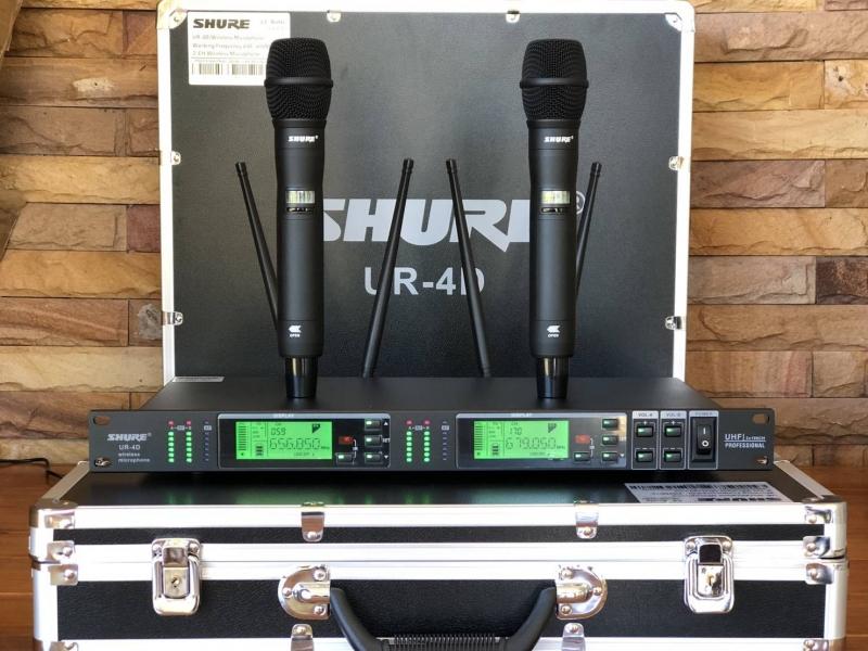 ขายไมล์ลอย SHURE UR 4 D 4 เสา รุ่นใหม่ล่าสุด เกรดท๊อปสุด รูปร่างสวยงาม  โทนเสียงนุ่ม ใส กว้าง  คมชัด